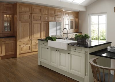 classic-traditional-country-jefferson-oak-painted-ivory-kitchen-hero